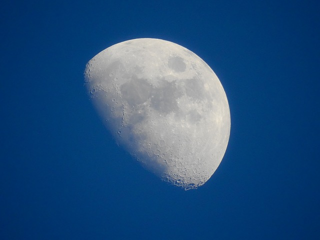 The Moon and the Cumbrian who disagreed with William Herschel